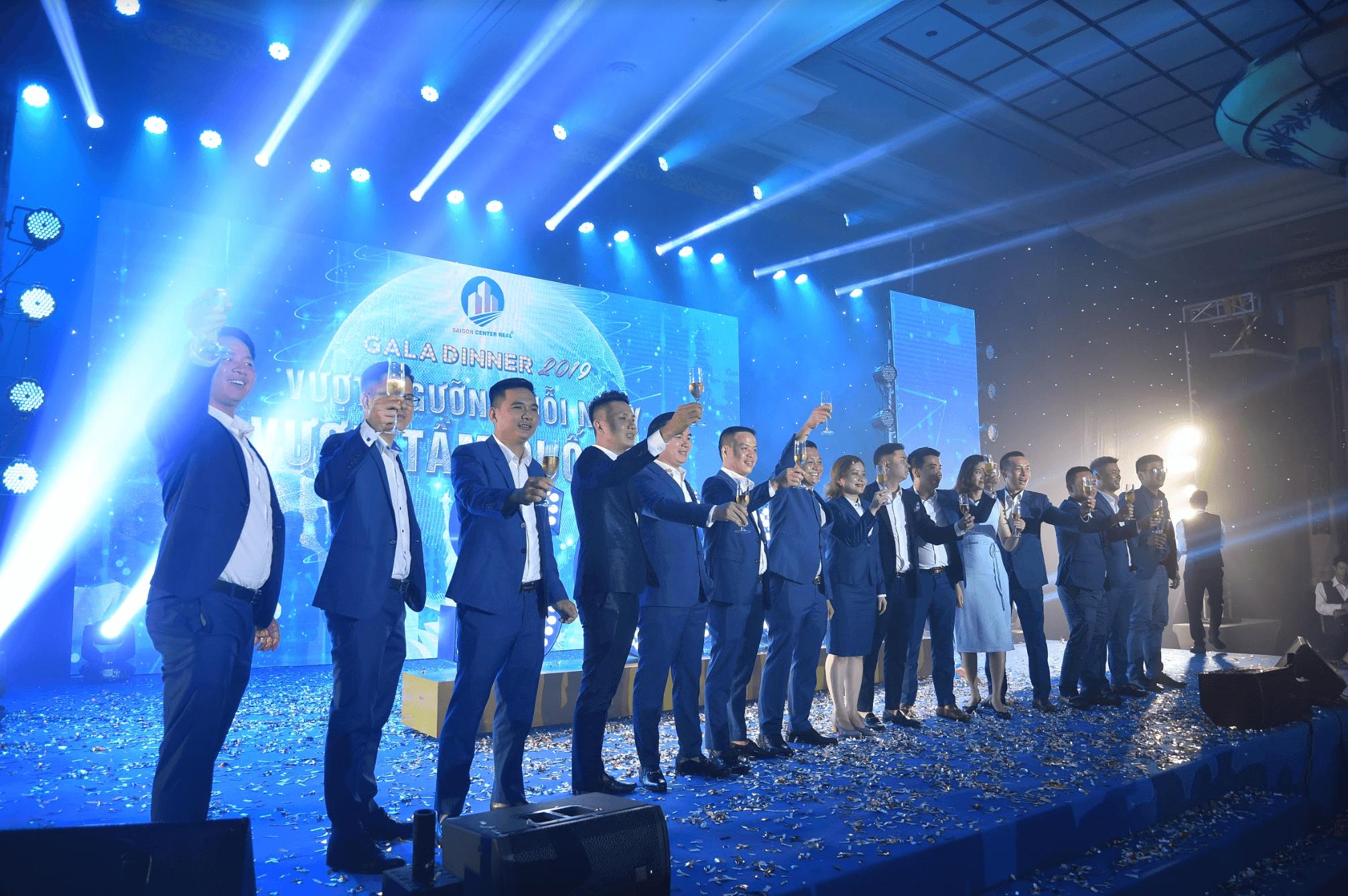 tổ chức lể kỷ niệm tại Đà Nẵng 4